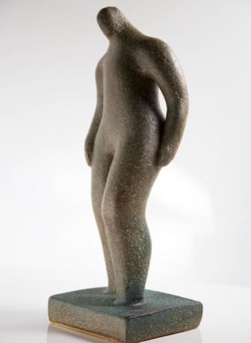 statueb
